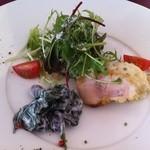 19194805 - 前菜は鴨のロースト、黒豆の和えもの、水菜のサラダの3種。