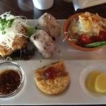 エピスカフェ - 若鶏の唐揚と近江牛肉入りコロッケのランチ