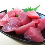 魚辰 - 特上まぐろブツ300円