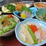 和食処 まさご - 小鉢一つ一つが丁寧に作られています