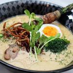 コイコイ - 料理写真:【鶏クリーム】ジャガイモスープ、鶏ガラスープのコクが楽しめる濃厚クリームラーメン♪
