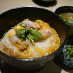 """エンガワ - 【奈良県産地鶏""""大和肉鶏""""の親子丼】¥1200"""