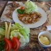 鍵 - 料理写真:にんにく焼きに野菜サラダ
