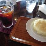 リアルダイニングカフェ - ケーキセット(アイス珈琲)