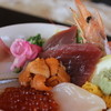 ザ・フィッシュ - 料理写真:海の幸をふんだんに使った海鮮丼をご堪能あれ!