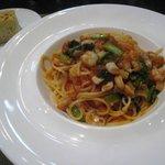 Cielo - 太刀魚と野菜のトマトソースのスパゲッティーニと自家製パン