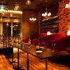 Licht - 内観写真:赤を基調としたデザイナーズ空間  ちょっと贅沢な大人の飲み会に  最適なお店です(立食で80名迄)
