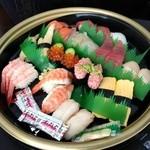 魚魚丸 - 料理写真:持ち帰り寿司 さざ波(2,980円)