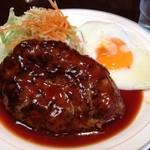 ハンバーグの店ベア - ハンバーグ定食600円