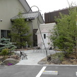 松月堂 - 喫茶スペースのある小屋(店外)