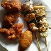 日本一 - 料理写真:塩皮、塩アスパラ、唐揚げ、鶏皮餃子