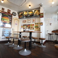 現在ある佐世保バーガーのお店の中で2番目に古いお店です。