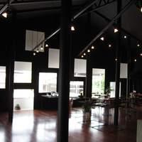 cafe純喫茶style - ギャラリー「ファイブ・ペニイズ」と併設カフェスペースです。2008年度グッドデザイン賞受賞。