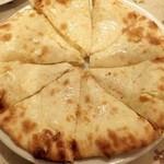 カリカ - チーズナン