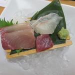 活魚料理一徳 - +280円の刺身3種盛り