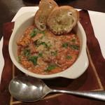 ルーナ・ピエーナ - 料理写真:≪前菜≫和牛トリッパ(ハチノス)とレンズ豆のトマト煮込み900円。ボリュームあります!