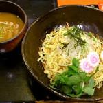 北新地 朱月 - カレーつけ麺