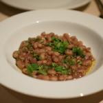アンティーカ・トラットリーア・ノスタルジーカ - 白いんげん豆の赤ワイン蒸し