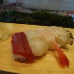 大和寿し - 料理写真:まぐろ、ほたて、えび、あわび