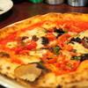 バルマル イタリアーノ  - 料理写真:本場ナポリの薪窯で焼く ナポリピッツァ