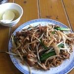 中国ラーメン揚州商人 - 6月18日(火曜)上海焼そば(780円)+麺大盛(150円)です。
