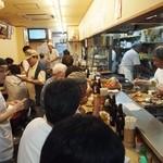 正宗屋 - 休日の昼間はおじさんたちで一杯!!