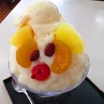 丸三(まるみつ)冷し物店 - 白熊ミニアイスクリームトッピング