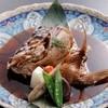 旬味市場 - 料理写真:お刺身にした魚の頭はかぶと煮付けとなります。これがまた美味しいと評判です☆