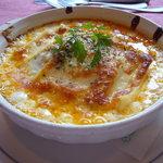 ポコアポコ - 料理写真:オリジナルのホワイトソースとミートソースとチーズがベストマッチ!