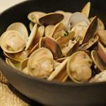 アルルの食堂 urura - ハマグリのワイン蒸し