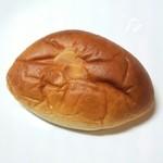 サフラン - たっぷりクリームパン