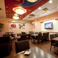 韓国料理 シンガネ - 広々としたテーブル席では貸切も宴会も可能!最大20名様以上で貸切も♪
