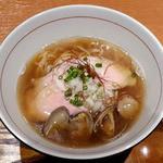 麺と心 7 - 牛骨魚介そば(淡口)
