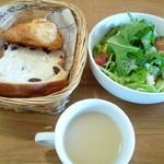 ソールエフレール - セットのサラダとスープ