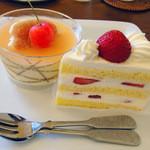 GRUN - ババロワーズミェル&苺のショートケーキ