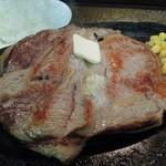 ステーキハウス リベラ五反田店 - 1ポンドステーキ