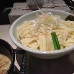 ほそ道 - もつつけ麺(特盛)