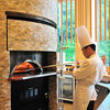 蓼科グランドホテル 滝の湯 - 料理写真:目の前の石窯で焼き上げます!