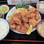 太田や食堂 - 料理写真:唐揚げ定食950円