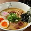 藤しろ - 料理写真:芳醇鶏白湯ラーメン、牛肉をローストして香ばしさをプラスした芳醇スープ。
