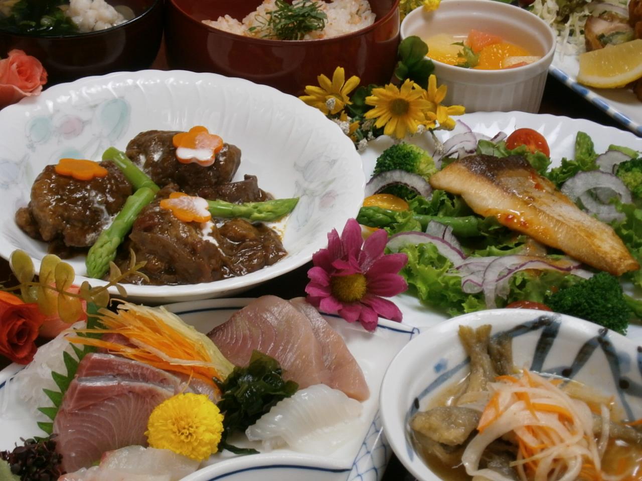 愛媛の味鯛飯とじゃこカツのコース2h飲み放題付き4300円→4000円