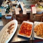 餉餉 - 唐揚げ、白身魚のチリソース、串かつ
