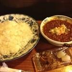 茶豆 - 夏はカレー‼ キーマカレー大辛が定番‼