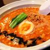 担々と - 料理写真: こってり豚骨ベースと、あっさり鶏ガラベースの二種類のスープを使い分けた担々麺を ご堪能ください!