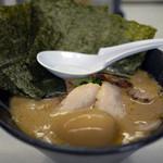 壱 - 料理写真:とんこつしょうゆ~麺壱のせ~☆