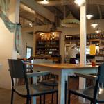 キラキラカフェ とねりこ - 店内
