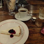 ばん珈琲店 - レアチーズ:400円+ブレンドコーヒーAタイプ:500円('13.07)