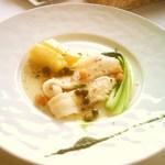 20041373 - 1800円ランチ・メインディッシュ・ナメタカレイのポワレ グルノーブル風 ジャガイモのサフラン風味 バジルのアクセント