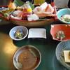 つくばい亭 - 料理写真:刺身舟盛り御膳(ご飯・味噌汁出る前)