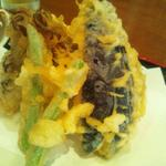 うどん屋  開都 - 天ぷらざるうどんの天ぷら